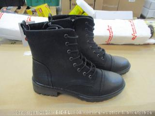 Universal Thread Boots 10