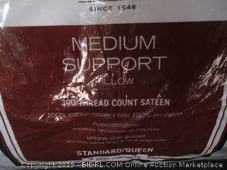Standard/Queen Medium Support Pillow (Damaged)
