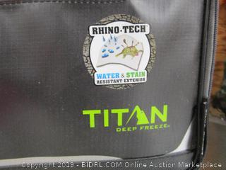 Titan Deep Freeze Lunch Box
