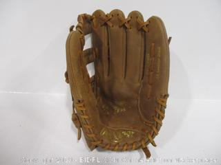 Rawlings Player Preferred Series PP140R Ball Glove Right Hand Throw
