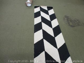"nuLOOM Katte Hand Tufted Wool Runner Rug, 2' 6"" x 8', Black and White (Retail $75)"