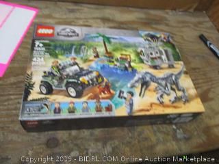 Lego Jurassic World box damage