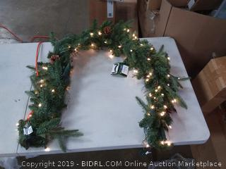 Bethlehem Lighting GKI Pre-Lit PE/PVC Christmas Garland with 100 Clear Mini Lights, 6', Green River Spruce (Online $34)