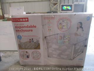 Skip* Hop Playview Expandable Enclosure