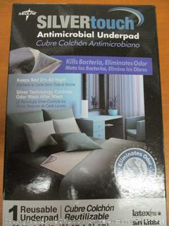 """Medline MSC217044R SilverTouch Antimicrobial Reusable Underpads, 32"""" x 36"""""""