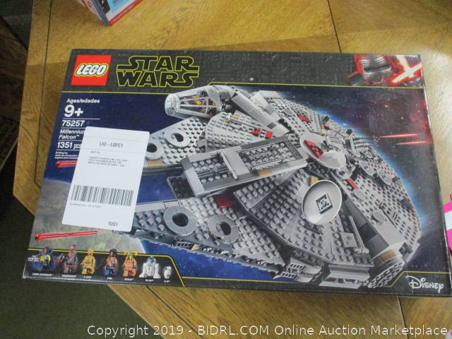 Lego Star Wars The Rise Of Skywalker Millennium Falcon 75257 Starship Model Building Kit And Minifigures New 2019 1 351 Pieces Retail 160 Auction Bidrl Com Online Auction Marketplace