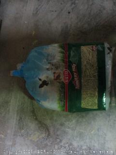Kaytee timothy hay small pet bedding