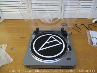Audio-Technica AT-LP60 Fully Automatic Belt-Drive Stereo Turntable (Powers On)