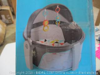 Fisher Price- On The Go Baby Dome-  Portable Play space & Napping Spot (damage, please see picture)
