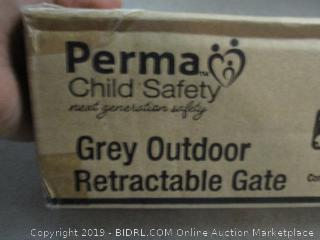 Perma child safety grey outdoor retractable gate
