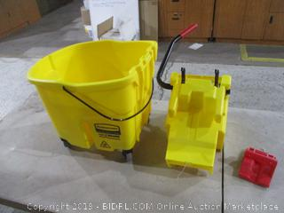 Rubbermaid Mop Bucket with wringer