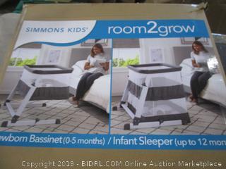 Newborn Bassinet/infant sleeper