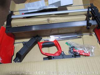 Clamping Miter Box With Saw