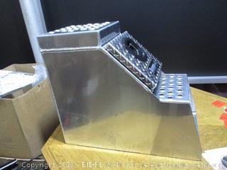 Buyers Products 1705180 Heavy Duty Diamond Tread Aluminum Step Box (24x28x12 Inch) (Retail $400)