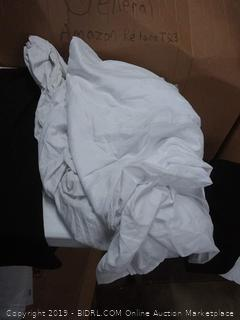 white sheets + black pillow case (5 count)