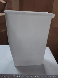 Rubbermaid Step On Lid Slim Trash Can for Home, Kitchen, and Bathroom Garbage, 11.25 Gallon, White (missing lid and used)