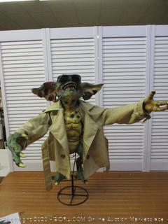 NECA - Gremlins 2 Prop Replica Stunt Puppet - Flasher (Retail $300)