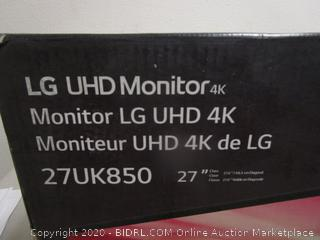 LG UHD Monitor Powers On See Pictures