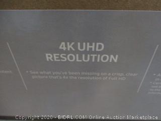 "Samsung UHD TV SmartTV  55"" Powers On"