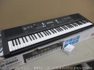 Yamaha Keyboard w/ Portable Stand (Powers On)