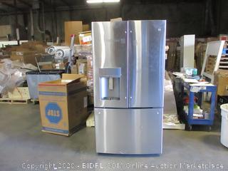 GE Refrigerator/Freezer See Pictures