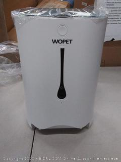 Wopet automatic smart pet feeder (powers on)
