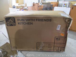 Step 2 Fun with Friends Kitchen