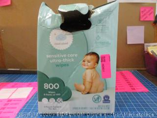 Cloud Island Baby Wipes - condition of box may vary