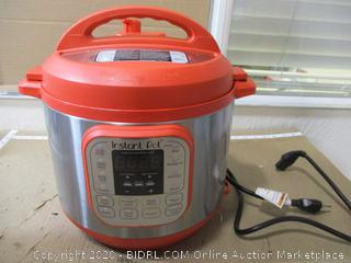 Instant Pot - Duo 7-in-1 Multi-Use Programmable Pressure Cooker (6 Qt)
