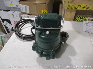 Zoeller 53-0002 N53 Mighty-Mate Non-Automatic Submersible Pump, 115V (Powers On)