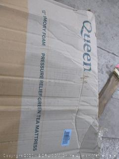 Zinus Queen 12 inch memory foam mattress
