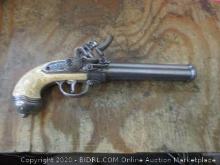 Denix Collecting History Since 1967 Made in Spain Gun replica see pictures
