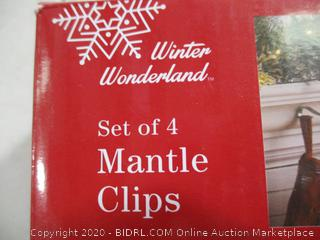 Winter Wonderland- Mantle Clips- Set of 4