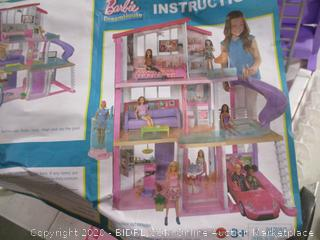 Barbie- DreamHouse (damage, please see pictures)