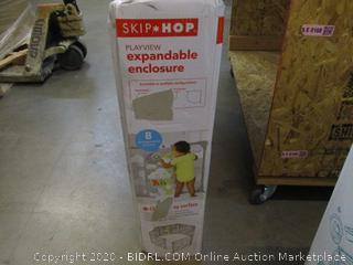 Skip*Hop Expandable Enclosure  Playview