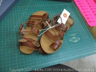 Universal Thread Sandals  7.5