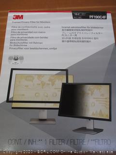 3M Framed Privacy Filter for 19 in. Standard Monitor, PF190C4F (Retail $125)