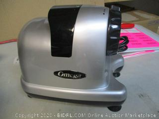 Omega Horizontal Slow Juicer (Powers On)