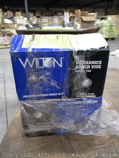 Wilton Bench Vise Model 745