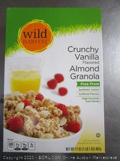 Wild Harvest Crunchy Vanilla Almond Granola