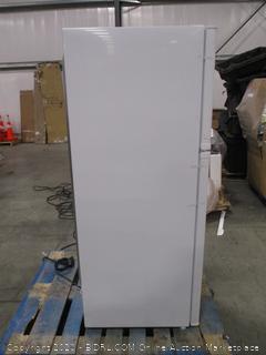 Danby 9.9-cu ft Top-Freezer Refrigerator
