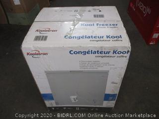 Chest Freezer (Box Damage)