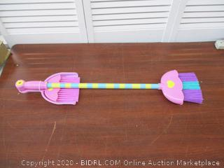 Play Broom and Dust Pan