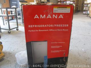 Amana Refrigerator / Freezer  4.3Cu Ft