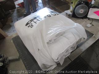 Brookstone F/Q Comforter