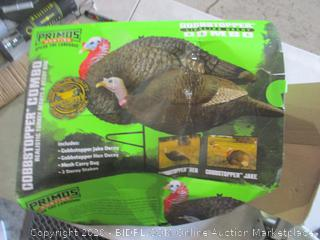 Realistic Turkey Decoys & decoy Bag