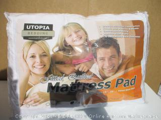 Utopia Bedding Mattress Pad (See Pictures)