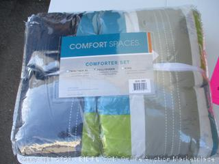 Comfort Spaces Comforter (See Pictures)