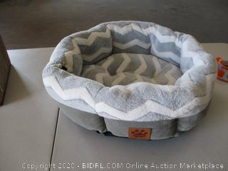 Precision Pet by Petmate SnooZZy Zig Zag Shearling Round Pet Bed for Comfort and Support