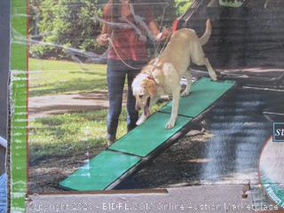 Pet Gear Travel Lite Ramp with SupertraX Surface for Maximum Traction (Retail $103)